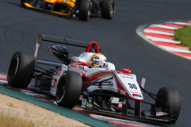 yokohama-advan-racing-tires-1600x1067